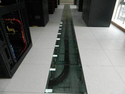 数据中心机房为什么要安装防静电地板?